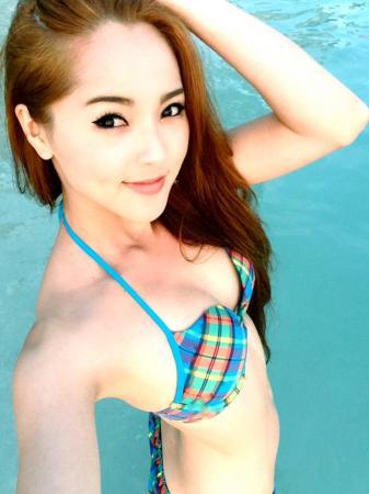 Jenny Phương bikini xinh tươi